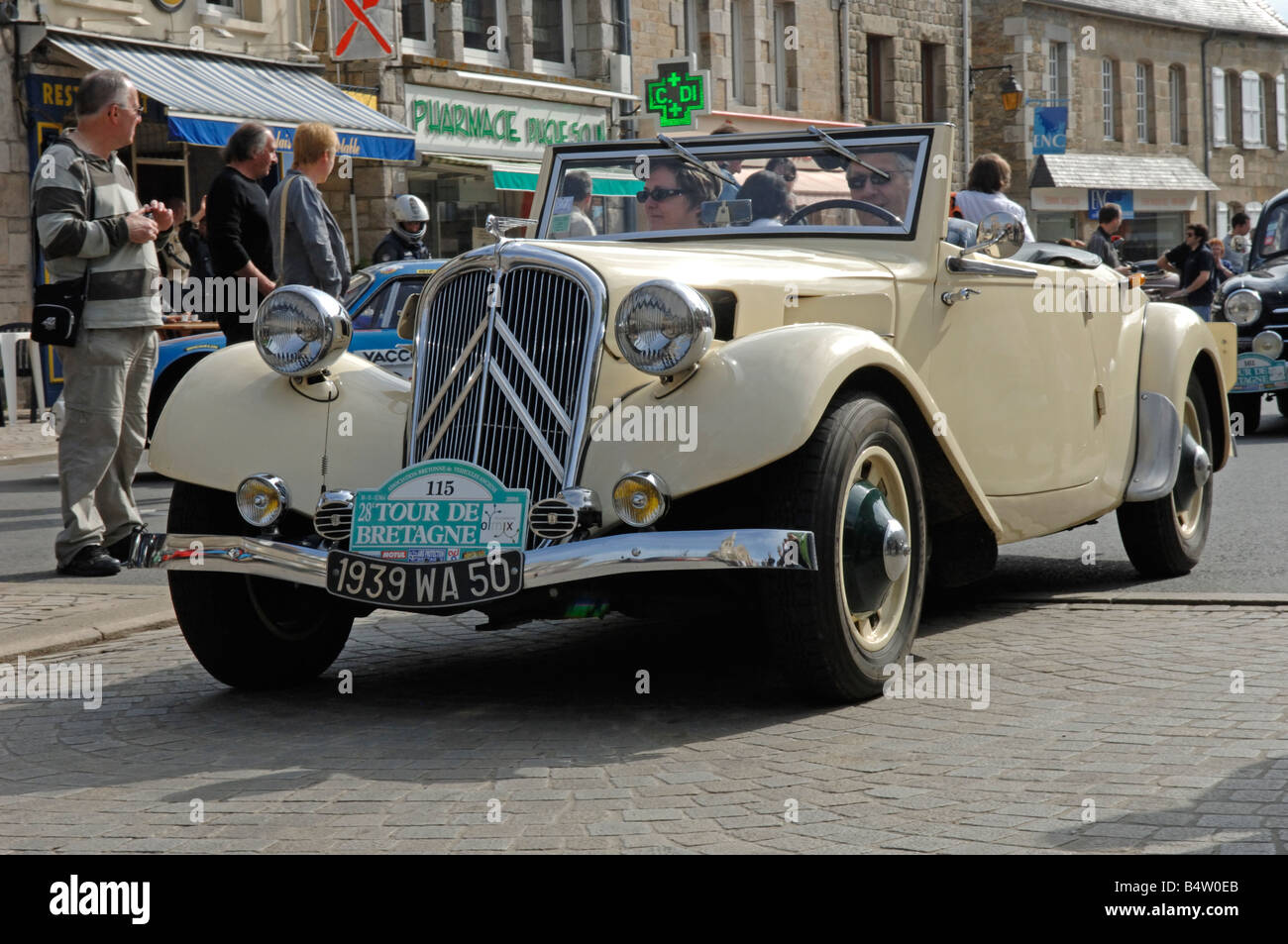 citroen traction 11 bl cabriolet 1939 at broons tour de bretagne stock photo royalty free image. Black Bedroom Furniture Sets. Home Design Ideas
