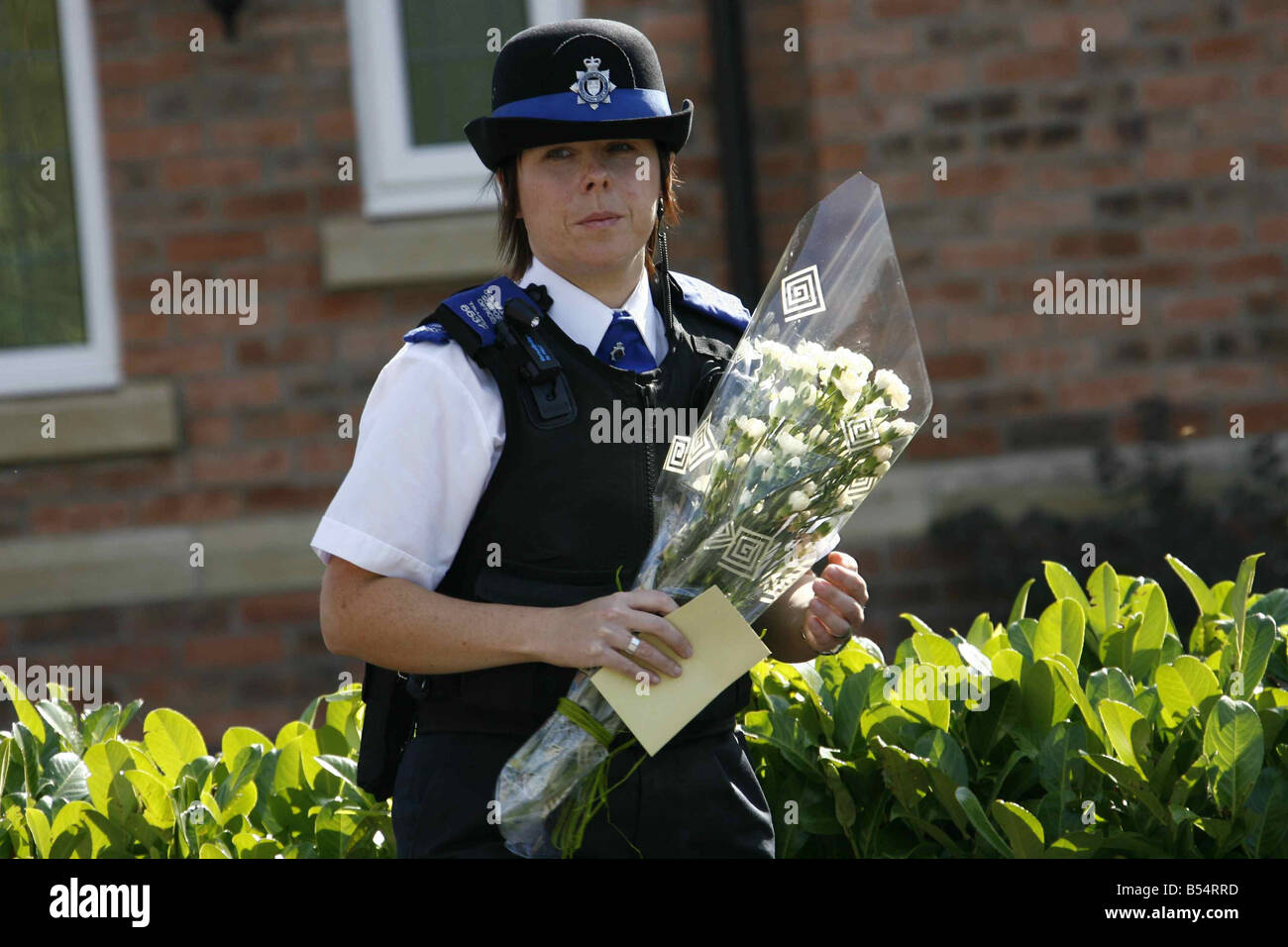 Picture Gallery - Page 6 Flowers-delivered-to-the-mccann-family-home-in-rothley-leics-madeleine-B54RRD
