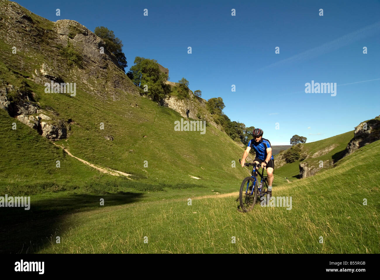 Doug Blane mountain biking Cavedale Castleton in the Peak District National Park Derbyshire UK England GB Great Stock Photo