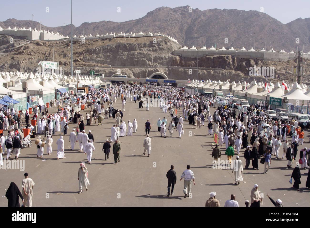 Pilgrims in Mina during the hajj Stock Photo, Royalty Free ...