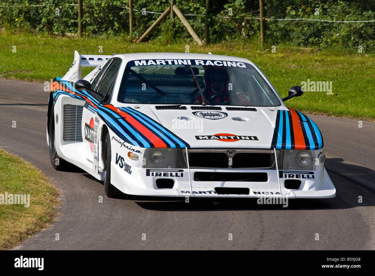 http://c7.alamy.com/comp/B5XJG8/1981-lancia-beta-montecarlo-group-5-gt-class-racer-with-driver-luigi-B5XJG8.jpg