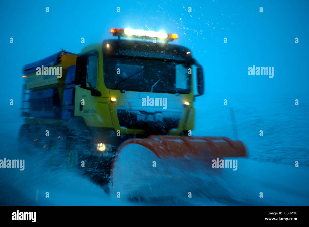 snow-plough-B66M9E.jpg