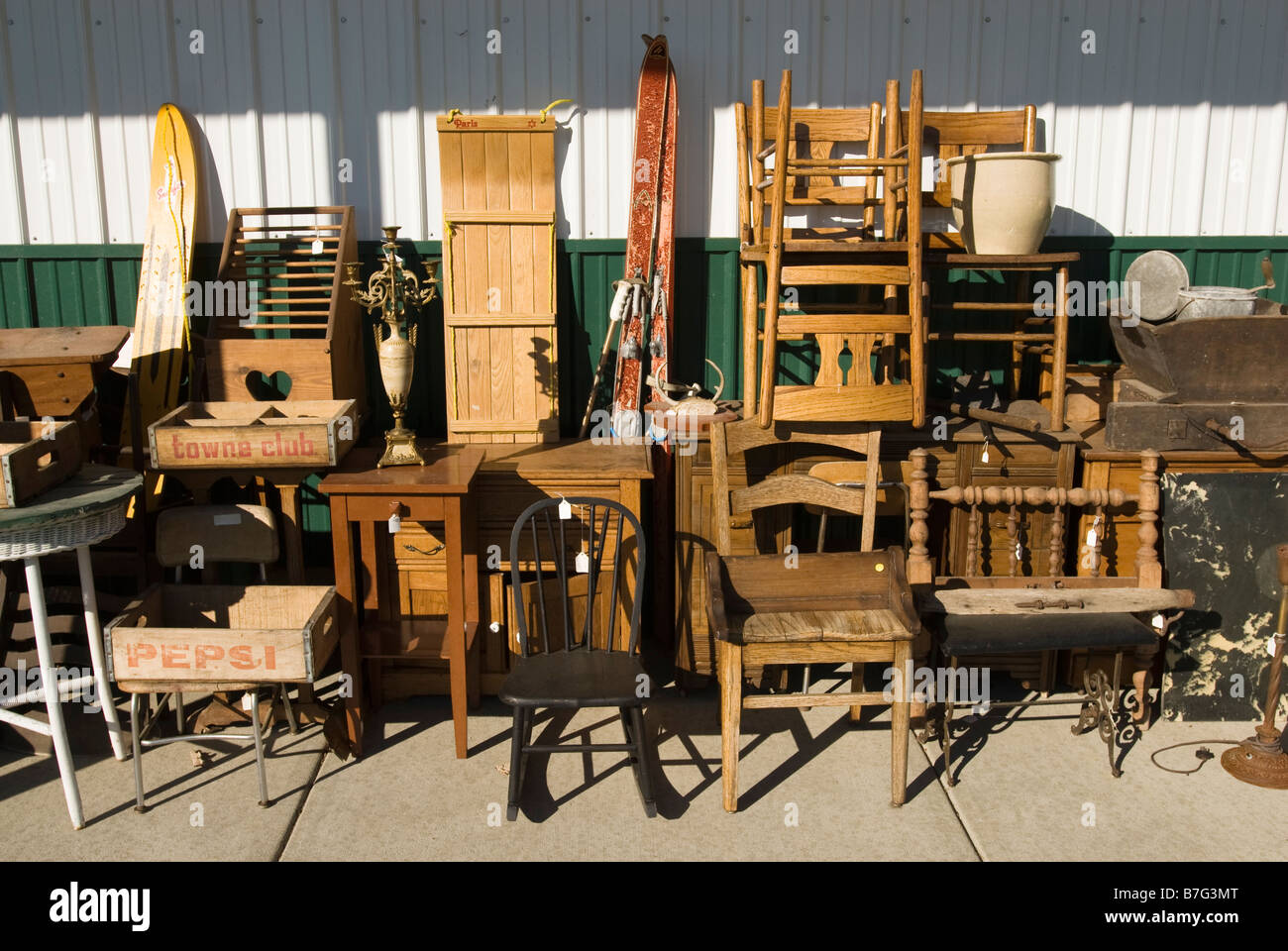 Old Furniture For Sale At An Antique Mall In Michigan Usa