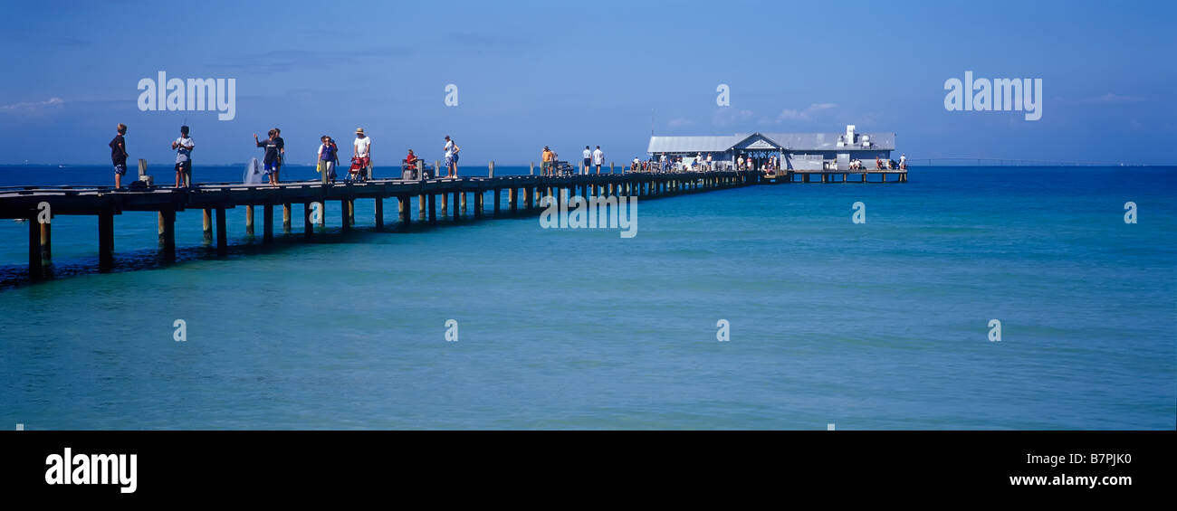 Public fishing pier in the gulf of mexico on anna maria for Anna maria island fishing pier