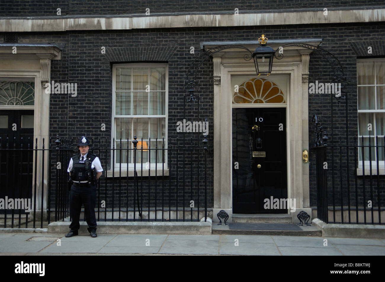 number ten downing street the home of the british prime minister stock photo royalty free. Black Bedroom Furniture Sets. Home Design Ideas