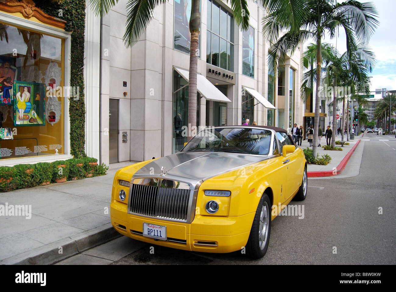 Yellow rolls royce n rodeo drive beverly hills los for Rolls royce of beverly hills
