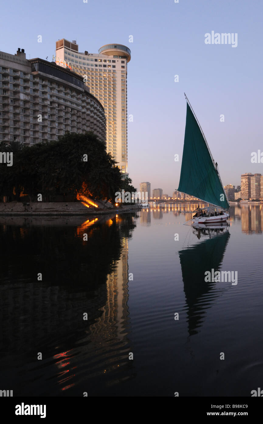egypt-cairo-felucca-sailboat-on-the-nile