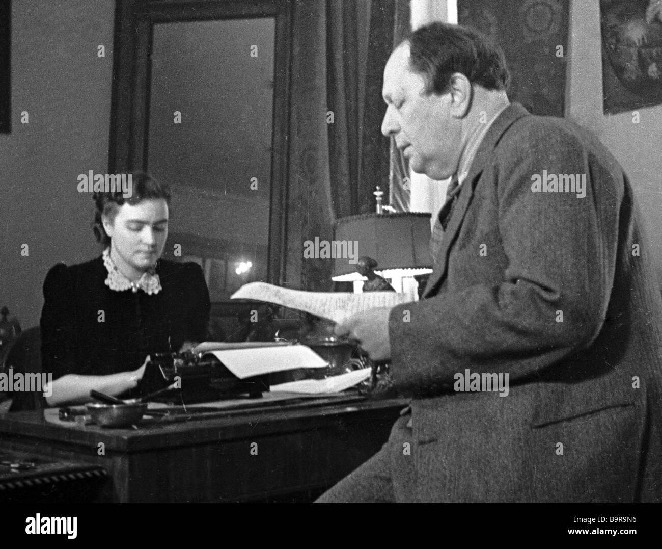 Writer Alexei Tolstoy and his wife Lyudmila in the study Stock Photo