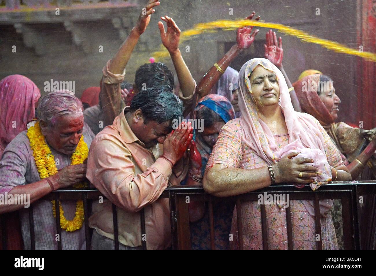 India, Uttar Pradesh, temple dedicated to the God Krishna, Holi Festival, color and Spring festival Stock Foto
