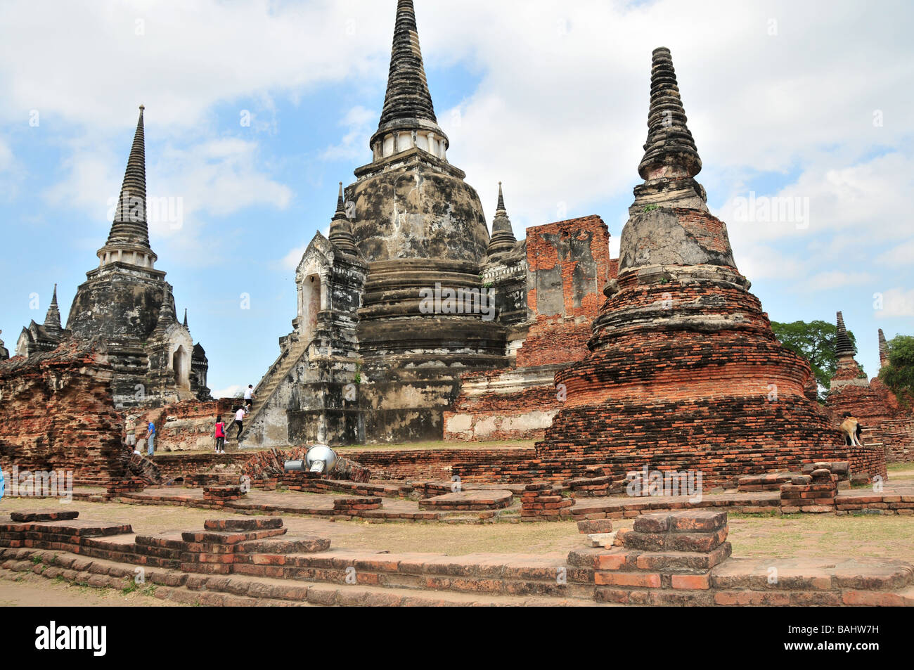 ruins of ancient siam capital city of ayutthaya near. Black Bedroom Furniture Sets. Home Design Ideas