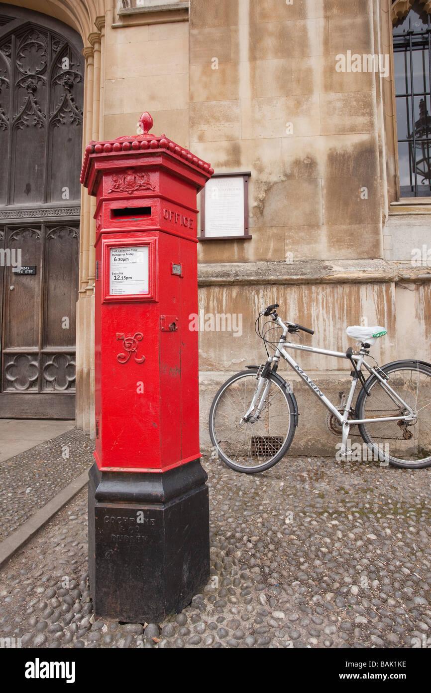 victorian-pillar-box-cambridge-city-engl