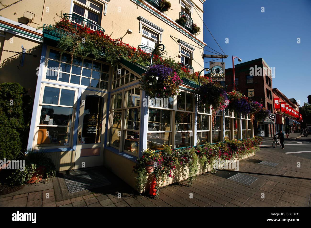 Swans Boutique Art Hotel Pub Restaurant Bistro And