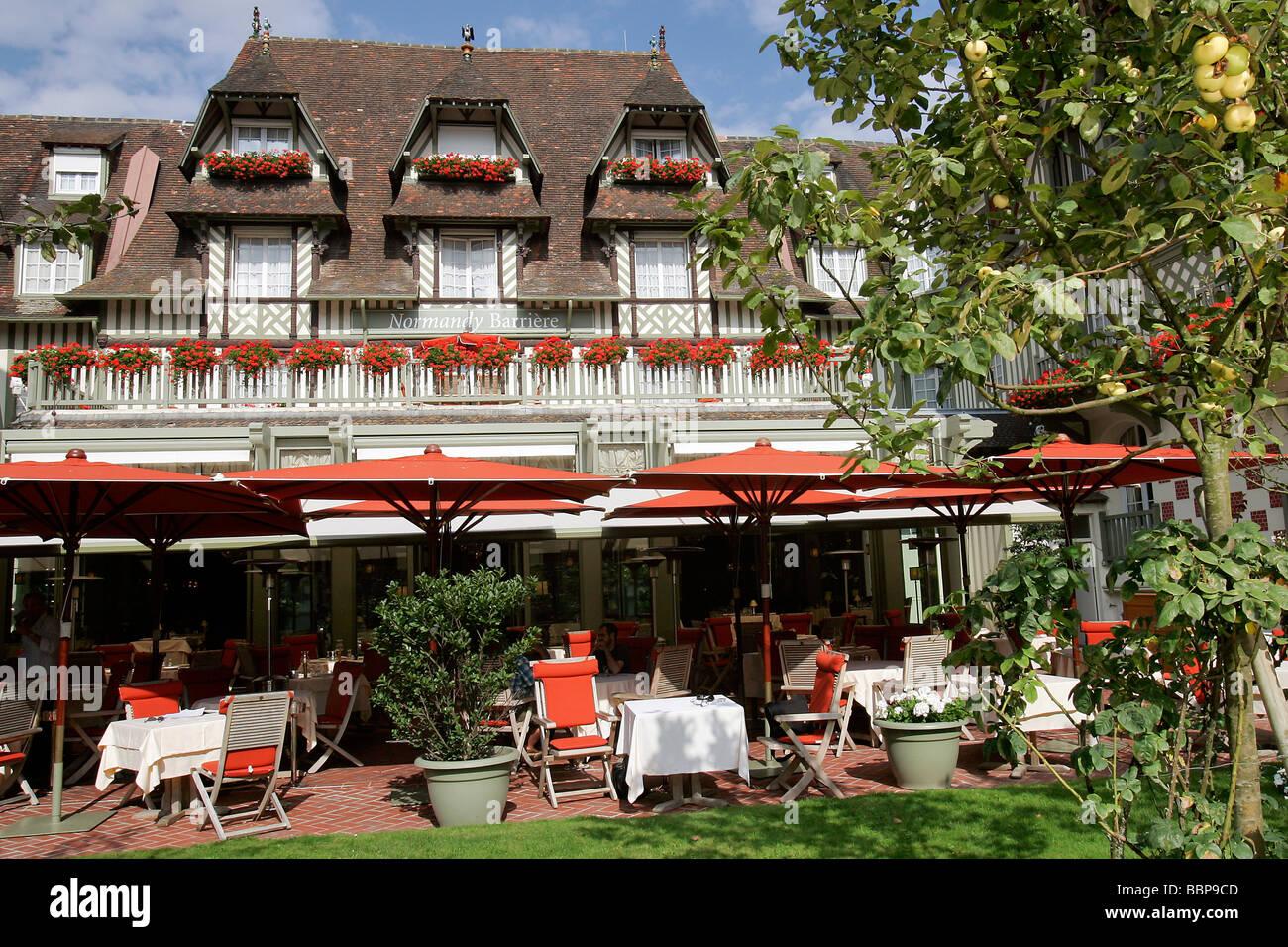 39 la belle epoque 39 hotel restaurant 39 le normandy barriere for Epoque hotel