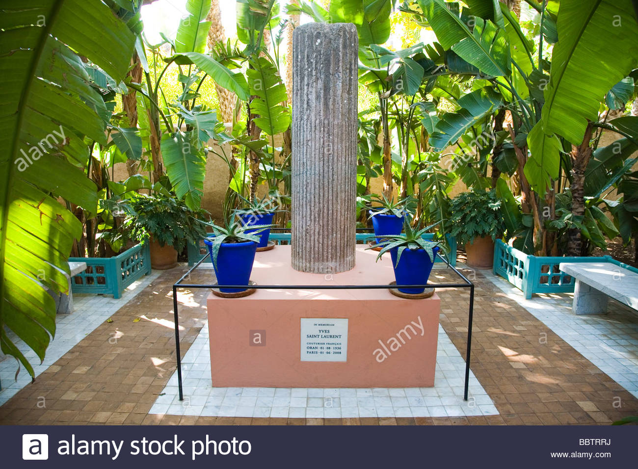 Morocco majorelle garden check out morocco majorelle for Le jardin yves saint laurent marrakech