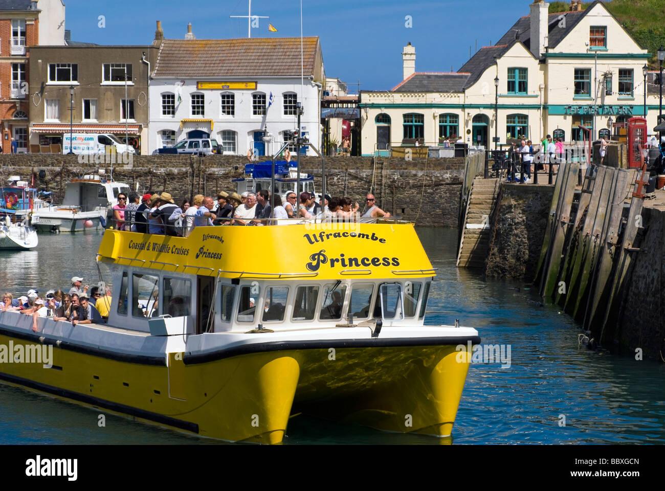 ilfracombe-princess-catamaran-boat-offering-coastal-wildlife-cruises-BBXGCN.jpg