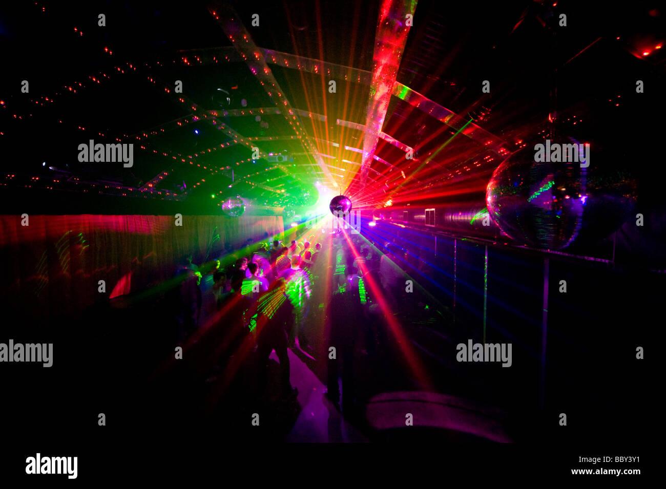 a-laser-show-at-a-night-club-BBY3Y1.jpg