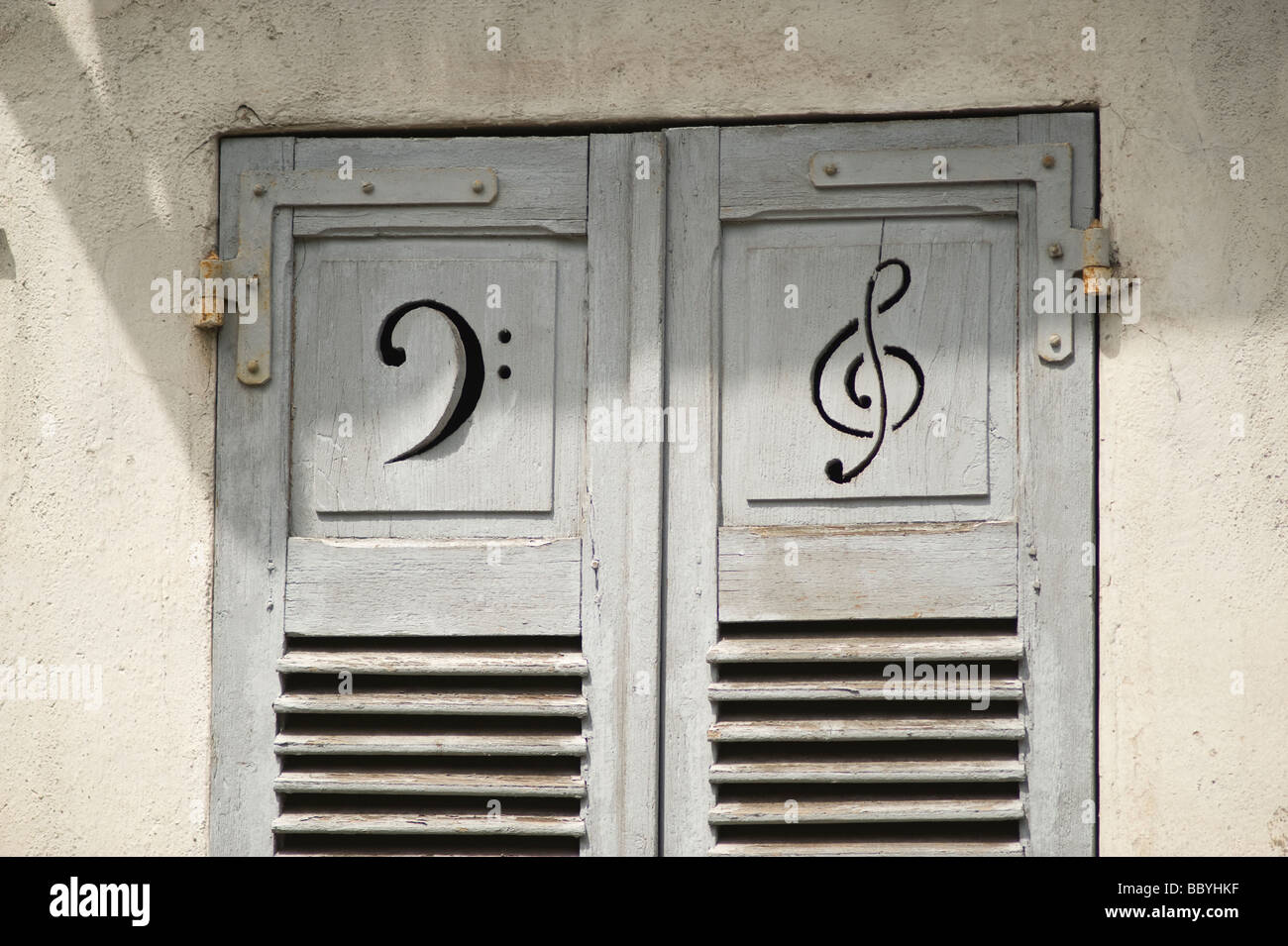 window-shutters-france-with-treble-and-b