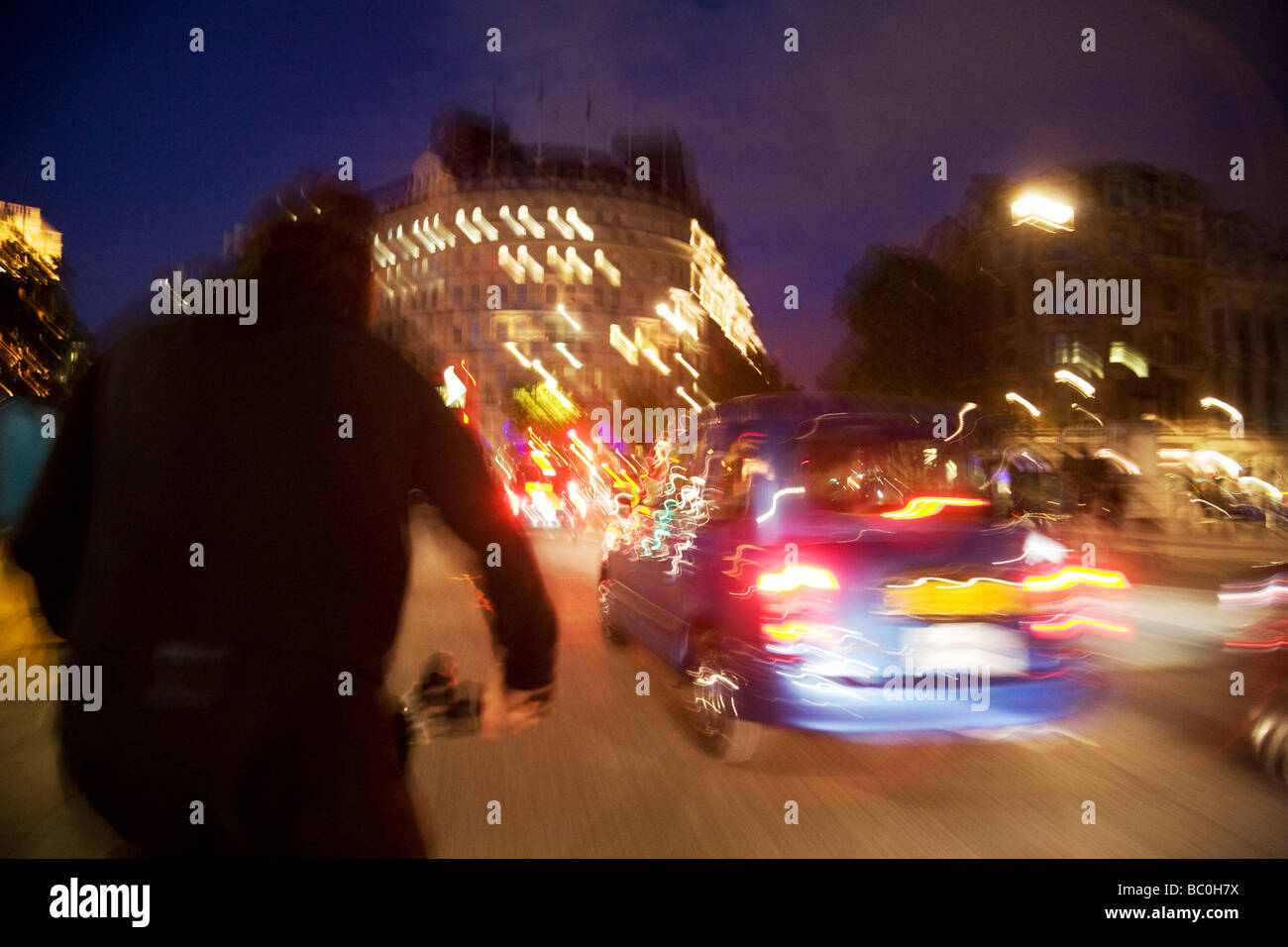 deliberately-blurred-london-taxi-at-nigh