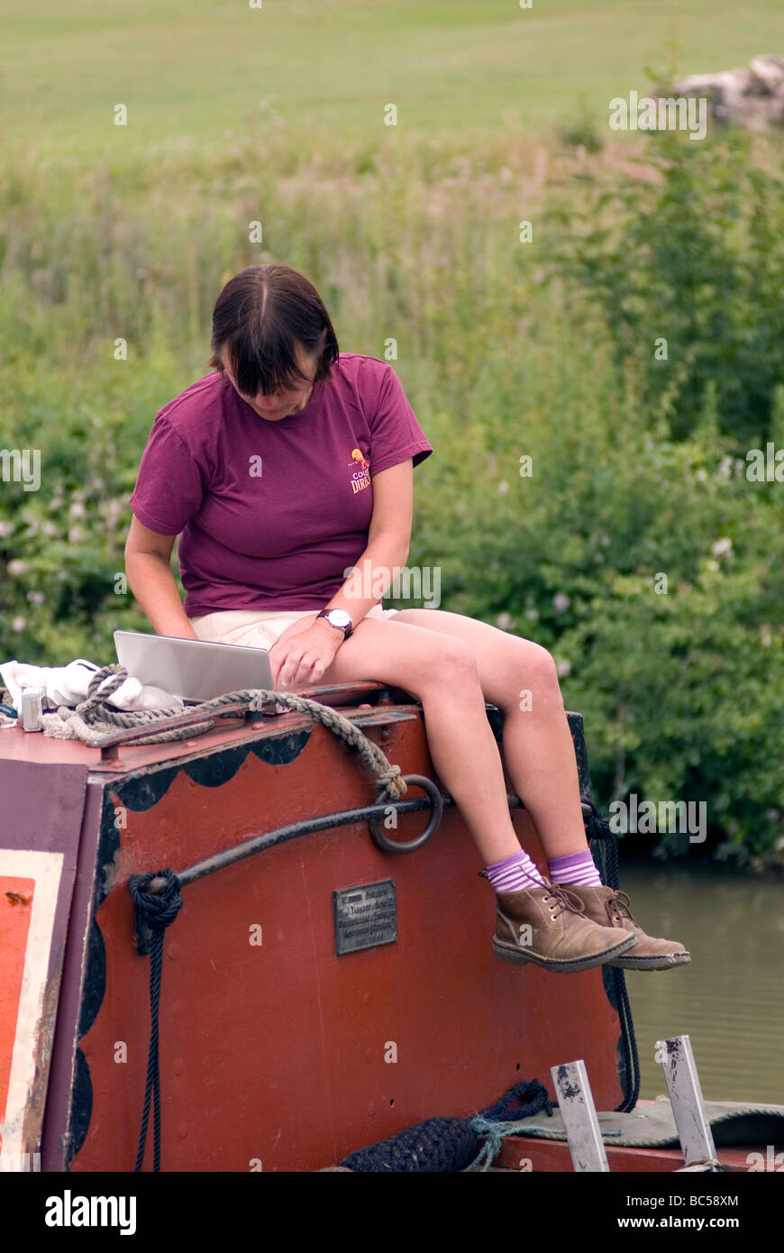 canal blogger blogging during the 2009 Braunston Historic FMC Narrowboat Rally Stock Photo