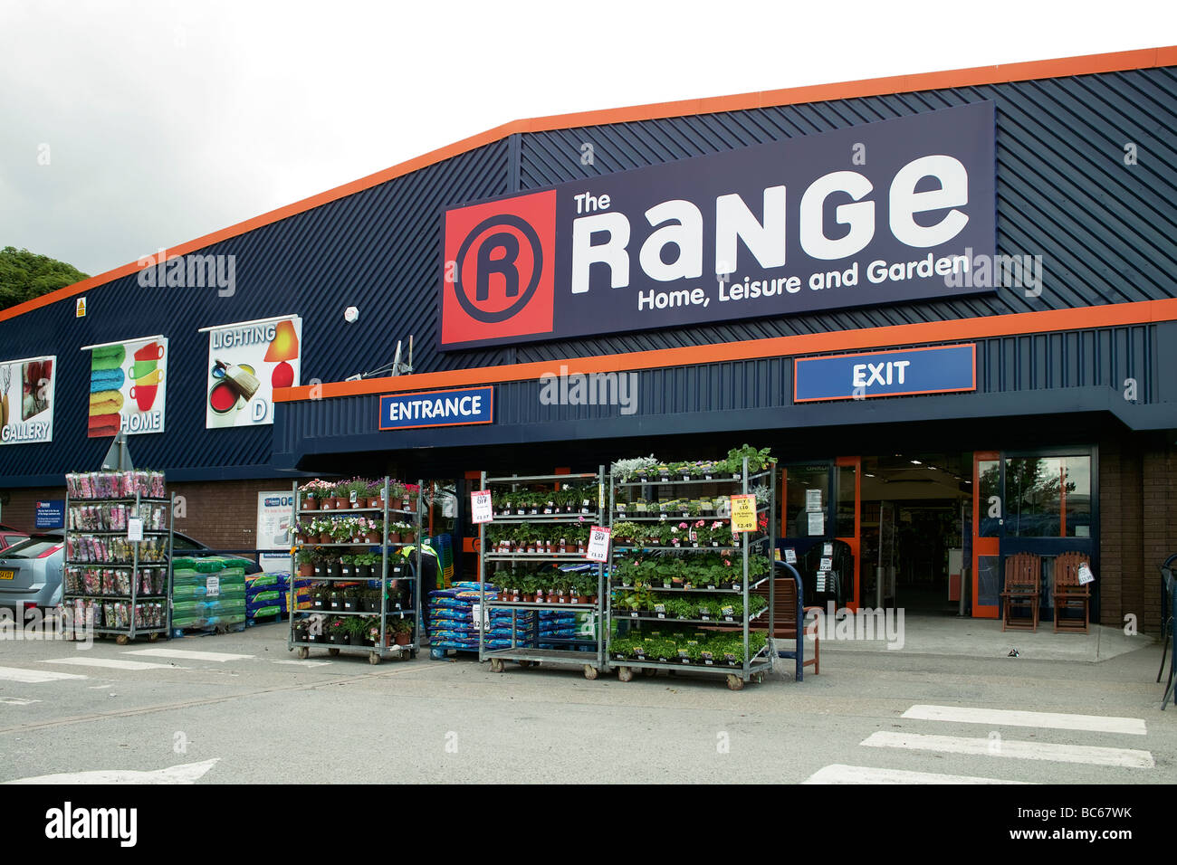 39 The Range A Discount Home And Garden Store Stock Photo