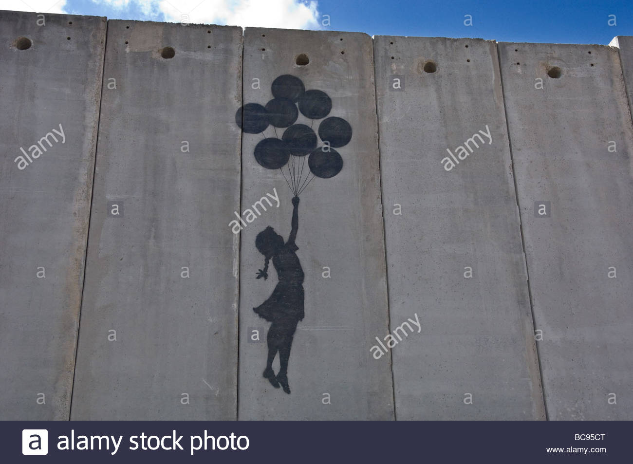 A painting on the Israeli Separartion Wall in east Jerusalem near the border with Ramallah. Stock Foto