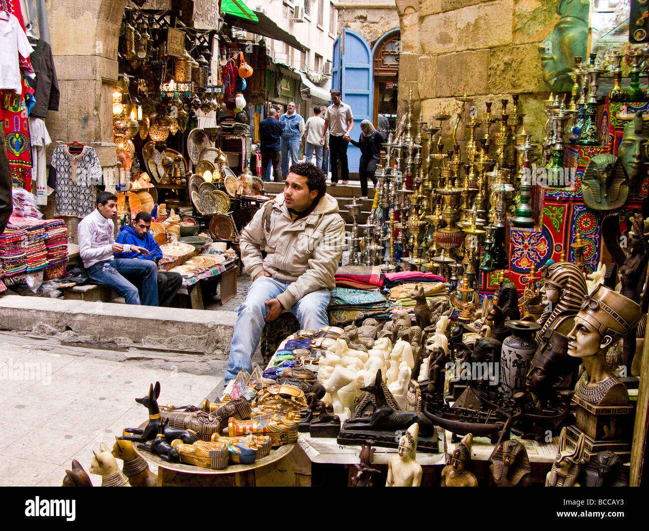 Souvenir shop khan el khalili old cairo stock photo for Shopping in cairo