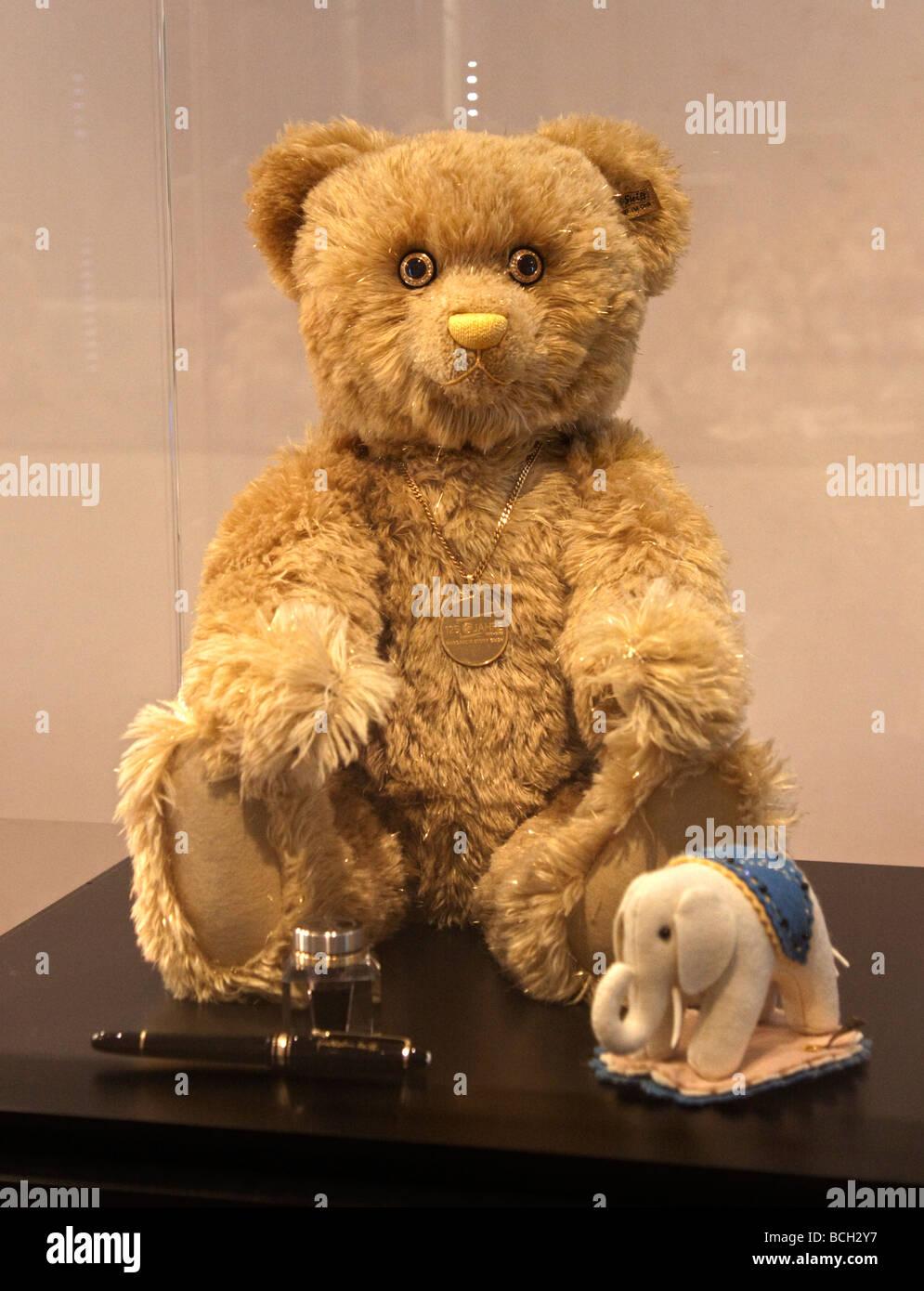 Steiff 125th anniversary teddy bear steiff museum and for Tedy shop