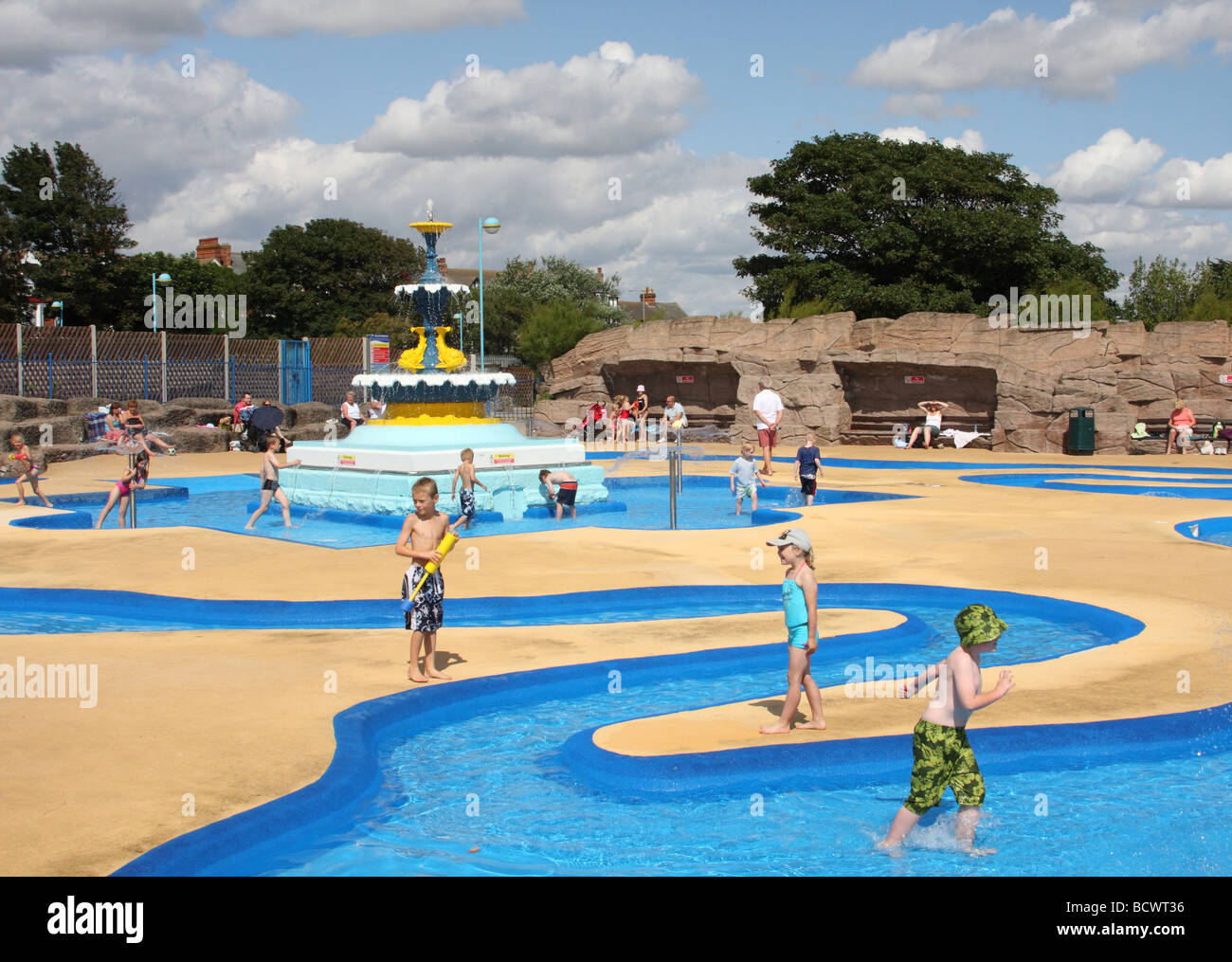 Children in a paddling pool at skegness lincolnshire for Best children s paddling pool
