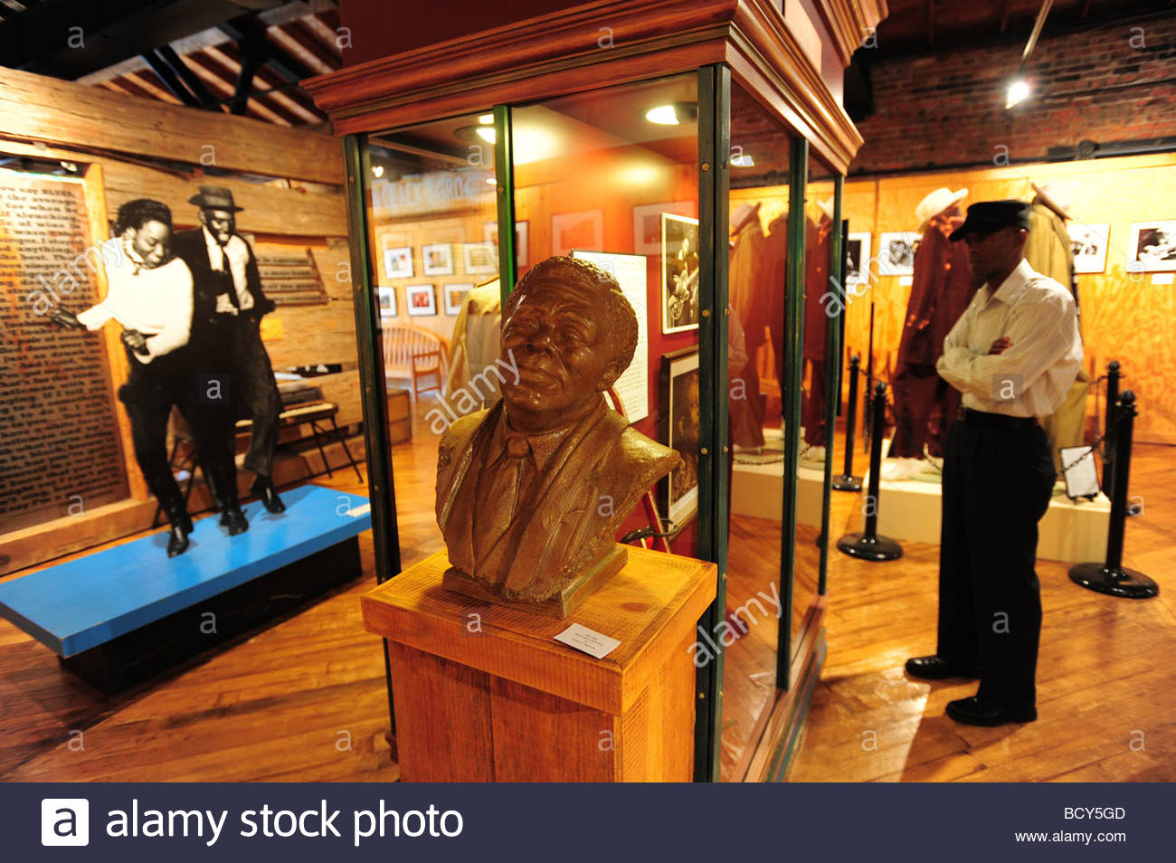 usa-mississippi-clarksdale-interior-of-t