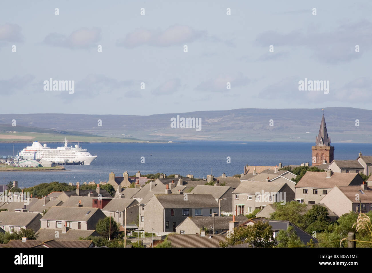 view of kirkwall hauptstadt der orkney inseln capital of orkney stock photo royalty free. Black Bedroom Furniture Sets. Home Design Ideas