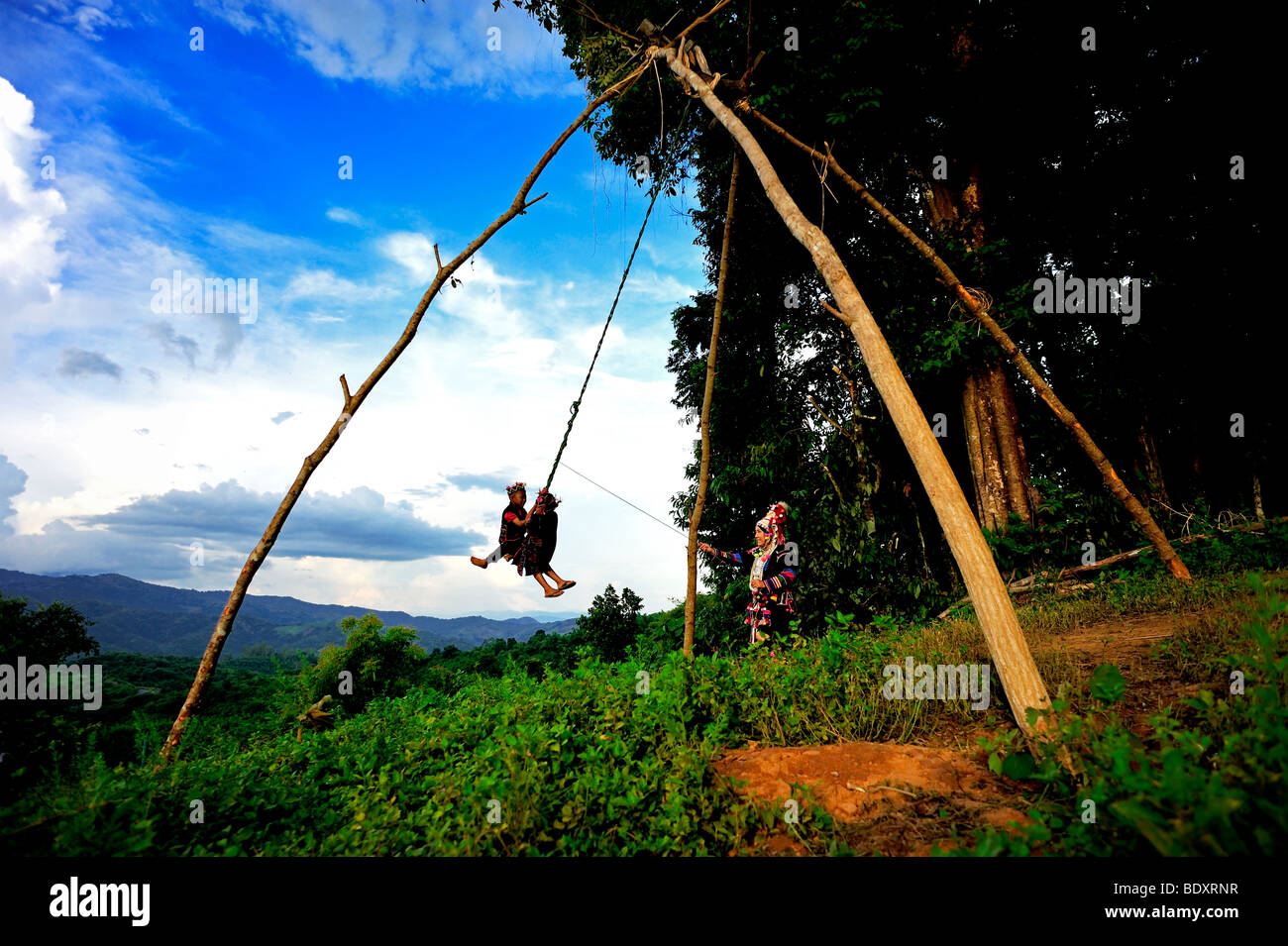 swing-ceremony-of-the-akha-tribe-in-chia
