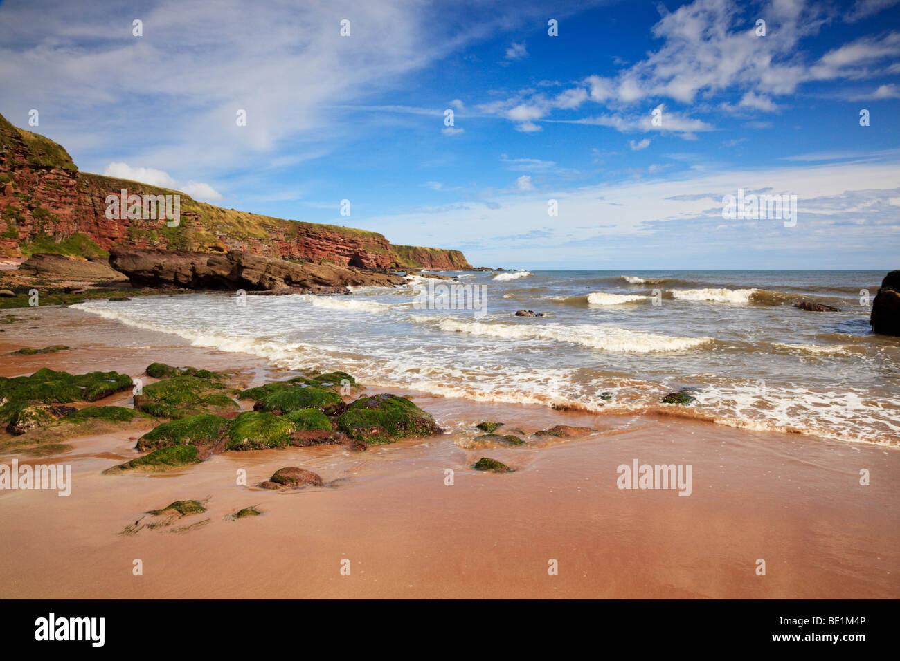 auchmithie-beach-arbroath-angus-scotland
