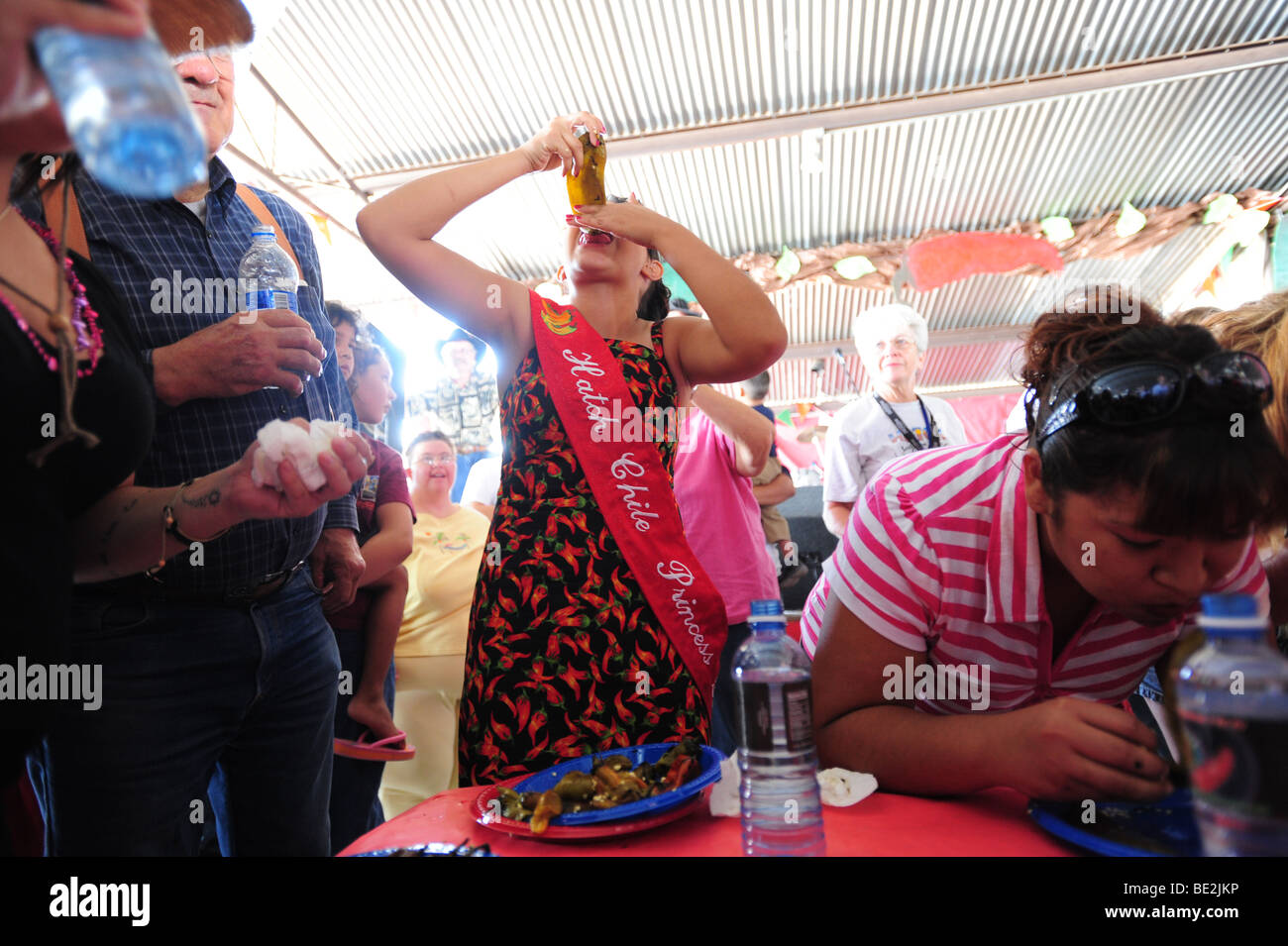 usa-hatch-new-mexico-chile-festival-girl