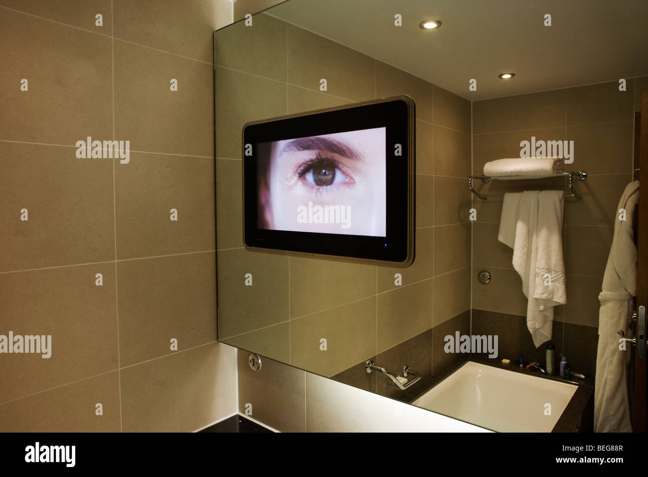 tv-news-on-screen-in-luxury-room-at-hote