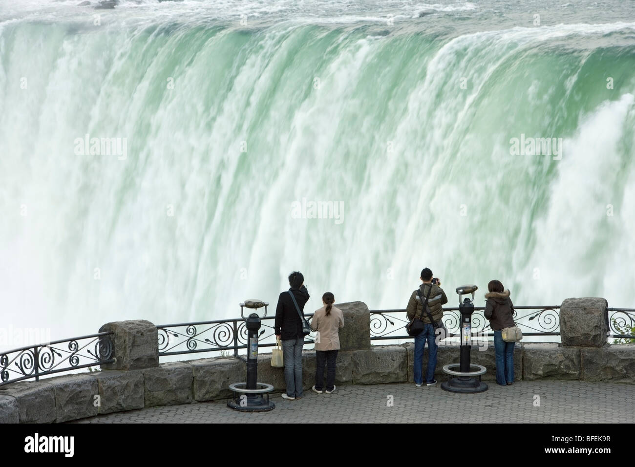 People looking at horseshoe falls from table rock for Niagara falls coloring page