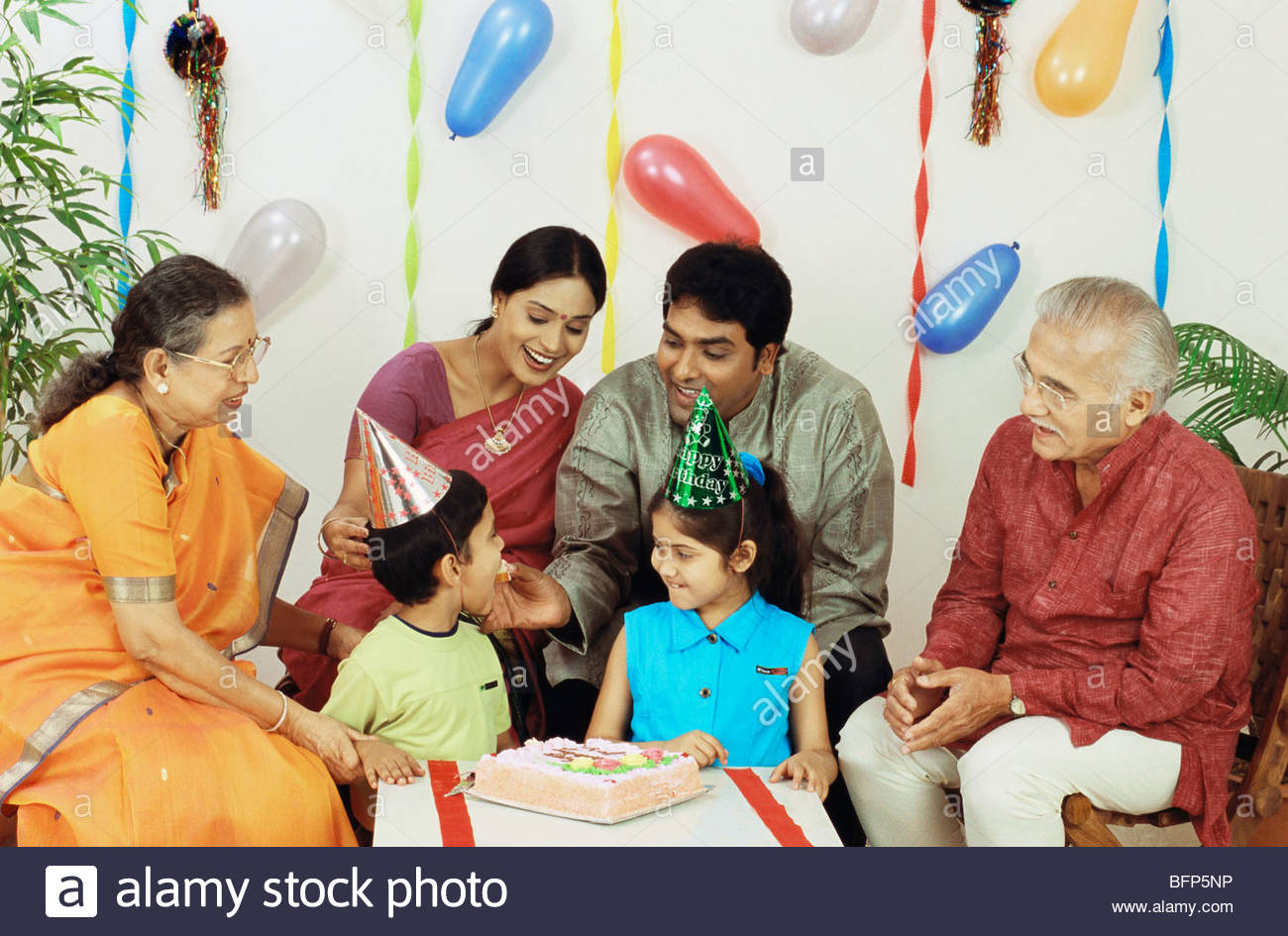 joint family hindi Joint hindu family business is a distinct type of organisation which is unique to india even within india its existence is restricted to only certain parts of the.
