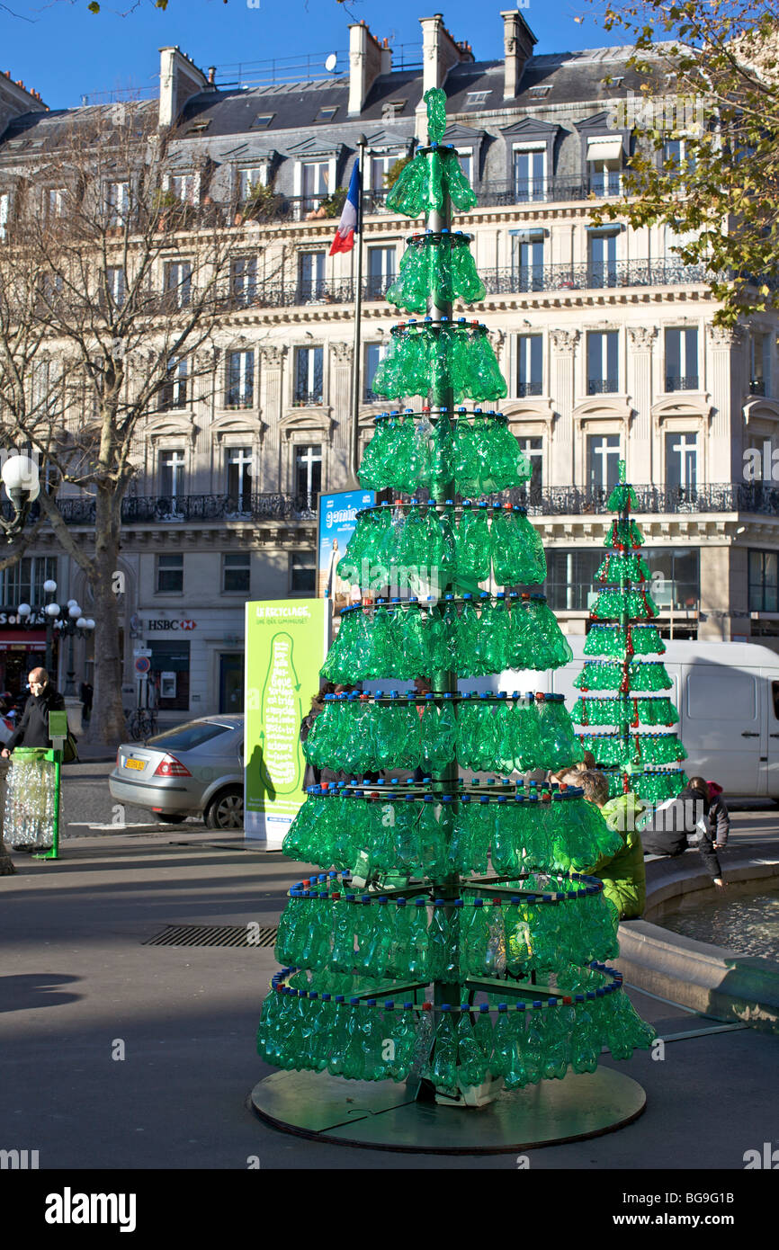 Christmas tree made from recycled green plastic bottles in for Recycled christmas decorations using bottles