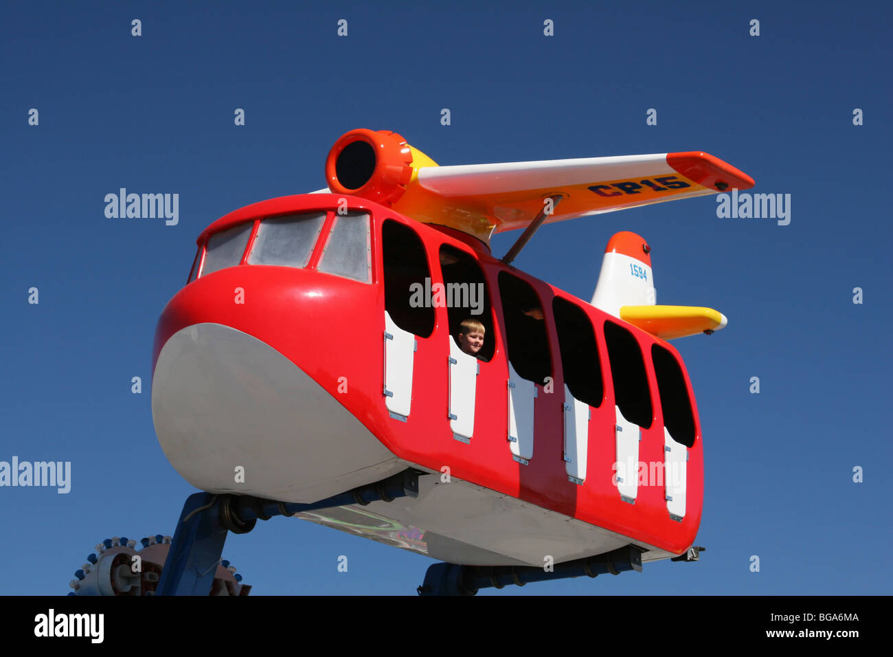 crazy-plane-flying-bus-airplane-carnival
