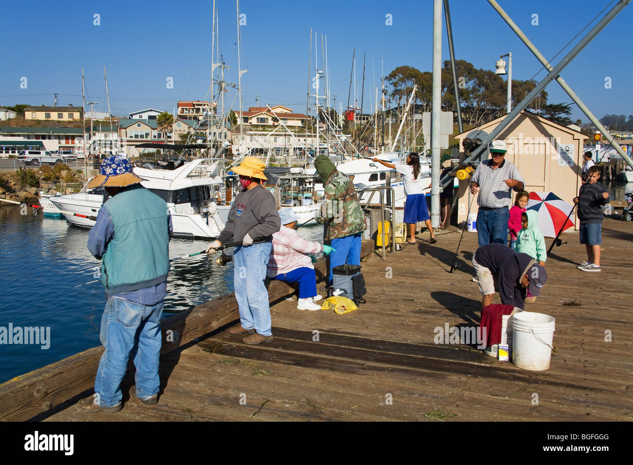 Pier fishing embarcadero city of morro bay san luis obispo for Morro bay fishing