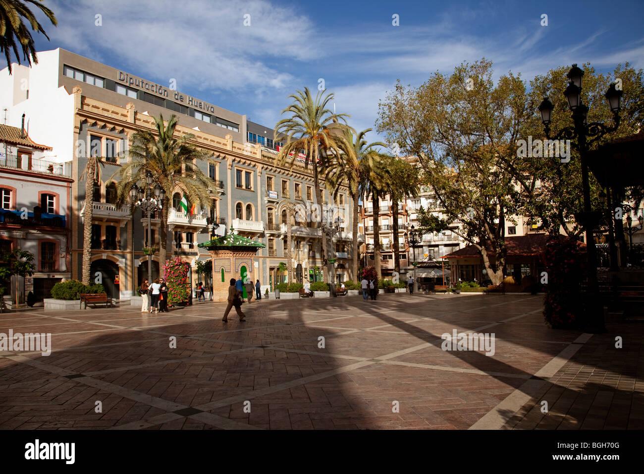 Plaza de las monjas en huelva andaluc a espa a plaza de for Plaza de garaje huelva