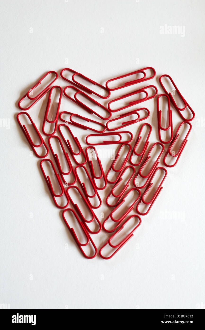 office romance - heart of paper clips Stock Foto