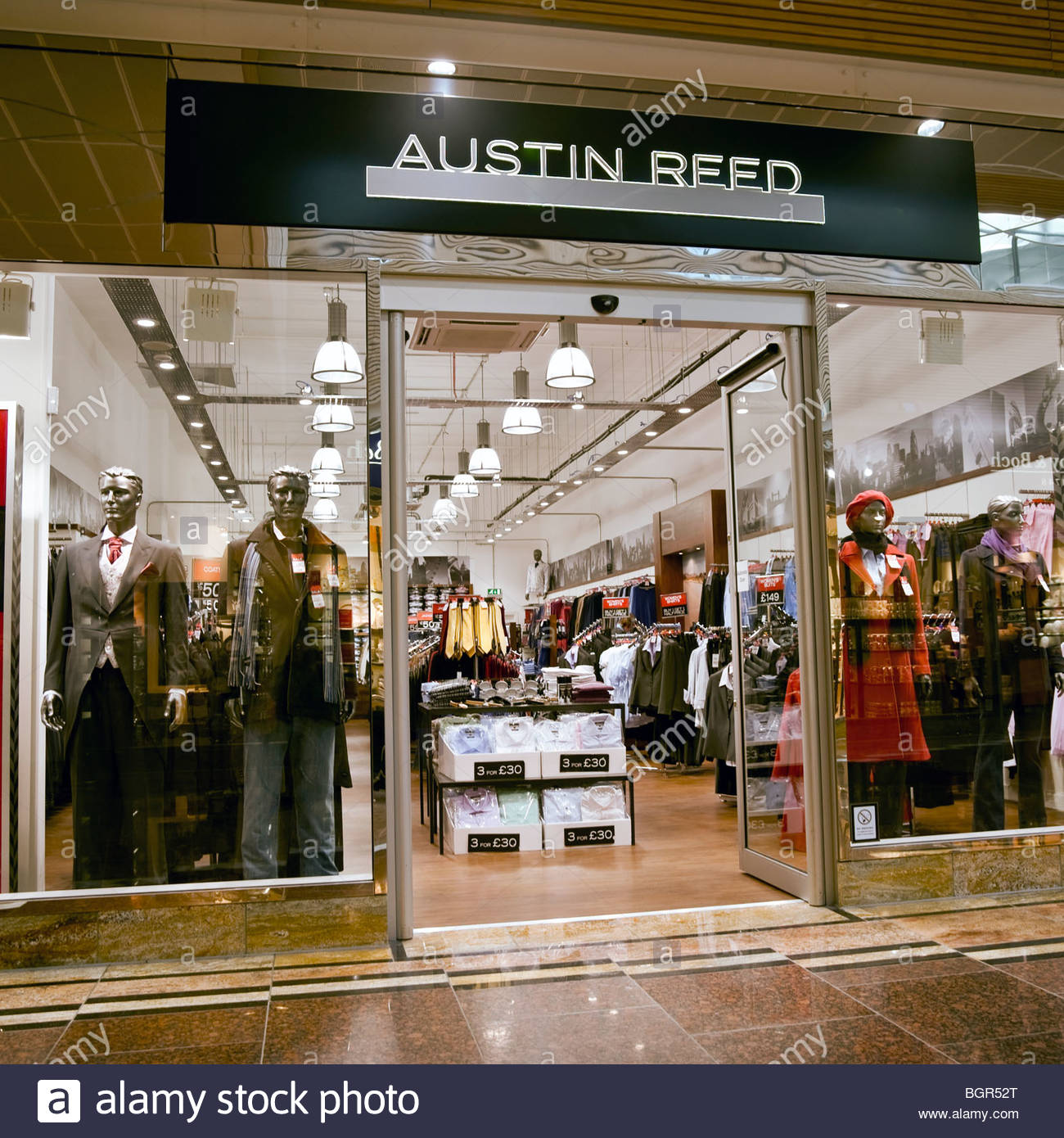 austin reed shop at gloucester quays designer outlet uk. Black Bedroom Furniture Sets. Home Design Ideas