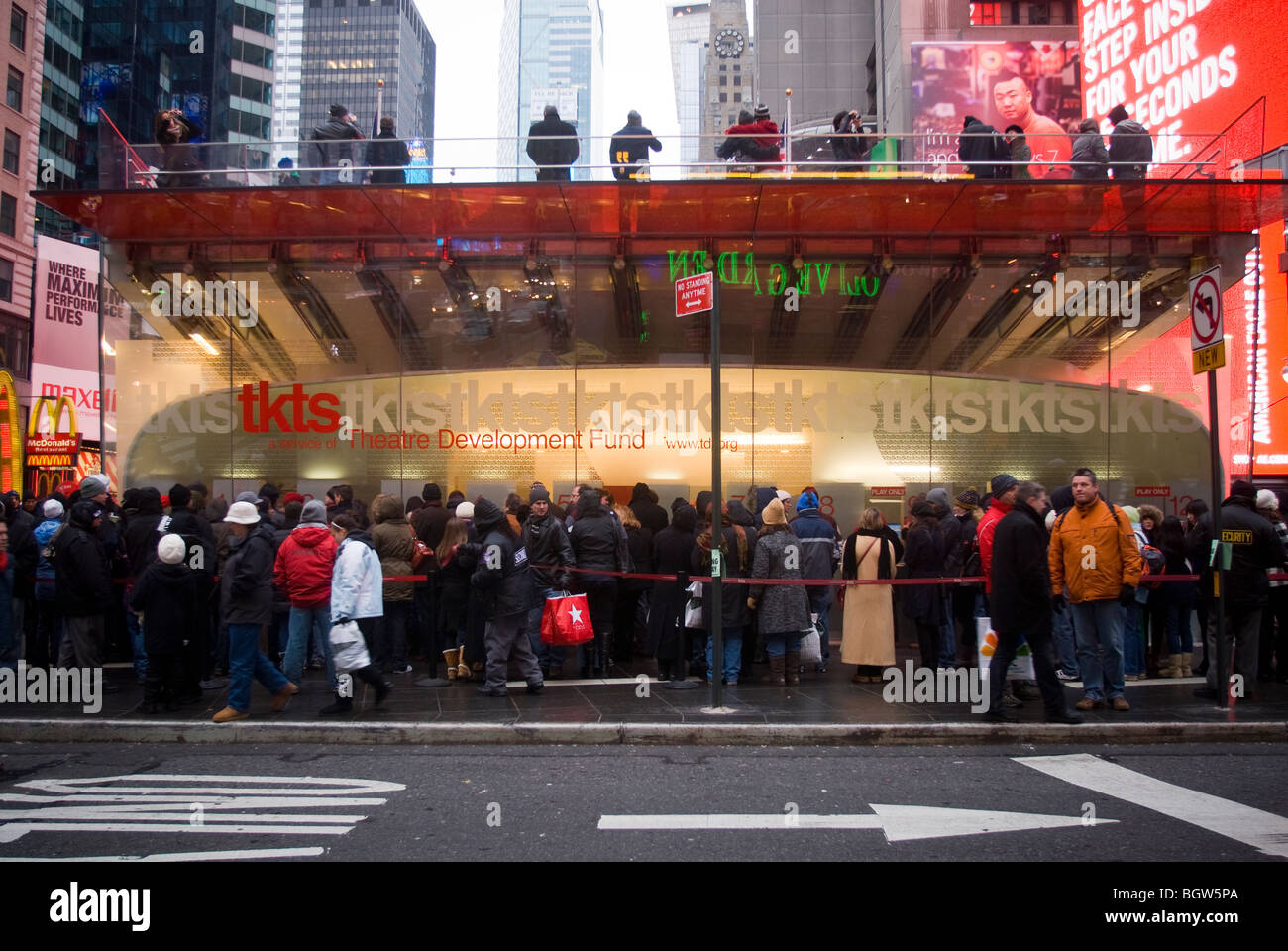 Traffic Ticket Nyc >> Theatregoers at the TKTS ticket booth in Times Square in ...
