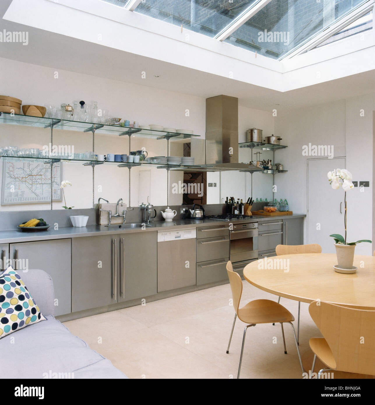 Jjo Urban Kitchen Modern Fitted Kitchens: Glass Shelving Above Stainless Steel Fitted Units In