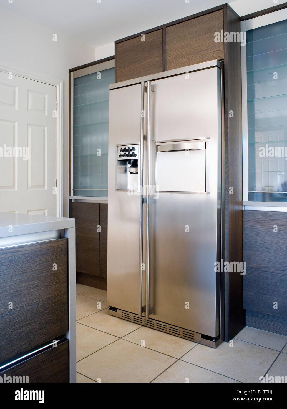Large Americanstyle Stainlesssteel Fridgefreezer In. Bathroom Vanitys. Bed Bench. 72 Double Vanity. Multi Device Charging Station. Blue Bedrooms. Small Corner Bathtub. Deep Seat Sofa. Brown Subway Tile