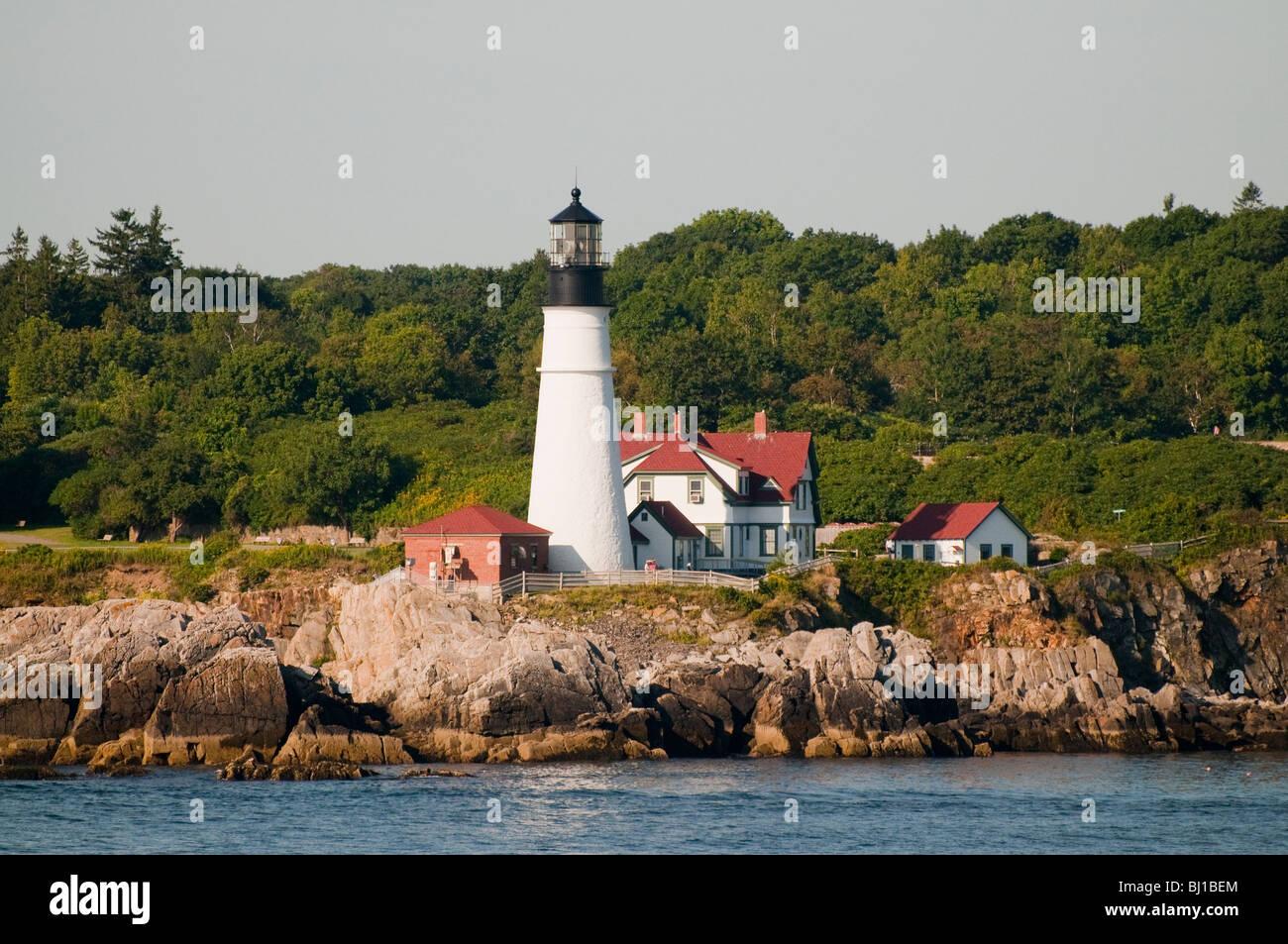 Maine portland head lighthouse along rocky shoreline for Bjs portland maine