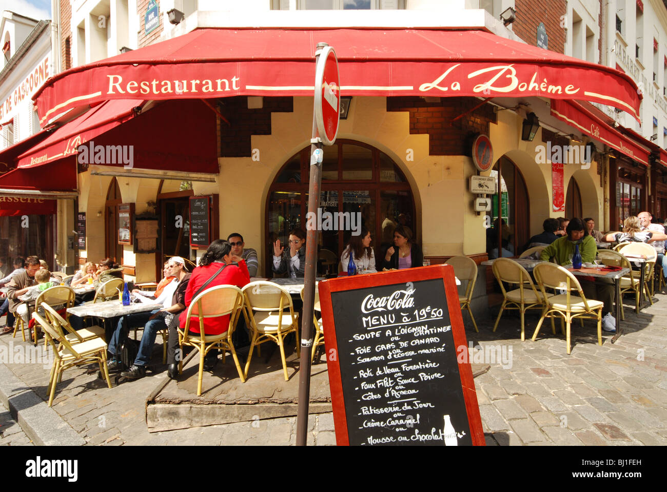 Restaurant la boheme montmartre paris france stock photo for Restaurant miroir montmartre