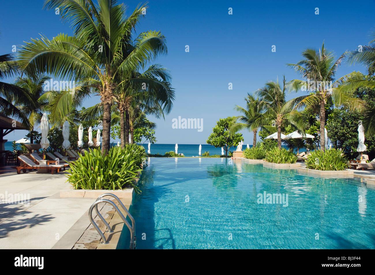 Koh Lanta Long Beach Hotel