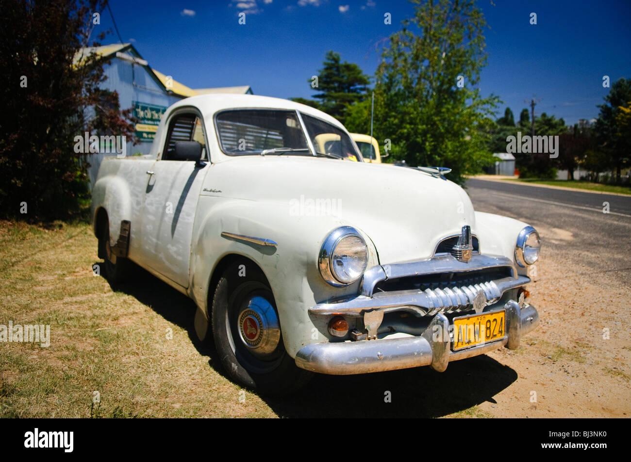 Vintage australian cars including a classic holden ute for Holden motor cars australia