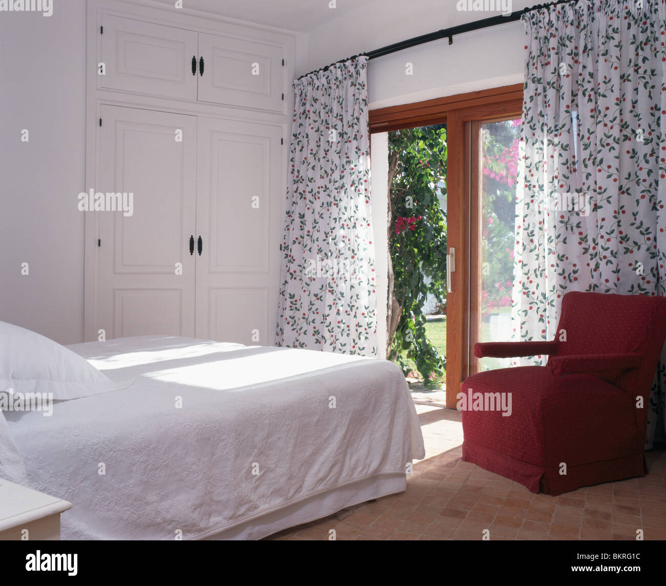 French Bedroom Black And White Teenage Bedroom Wallpaper Uk Wooden Bedroom Blinds Bedroom Oasis Decorating Ideas: Black+white Floral Curtains At French Windows In White
